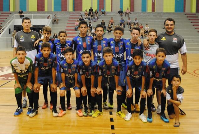e12de0ab0e O primeiro jogo foi contra Colegial Colégio Catarinense Fpolis e o time de  Forquilhinha venceu de 5 a 2. O técnico de Forquilhinha