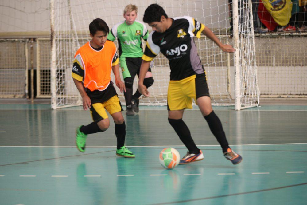 A diretoria do Anjos do Futsal vai se reunir com os professores dos núcleos  e diretores de esporte dos municípios que o projeto está inserido para  fazer a ... dda14667e29ef